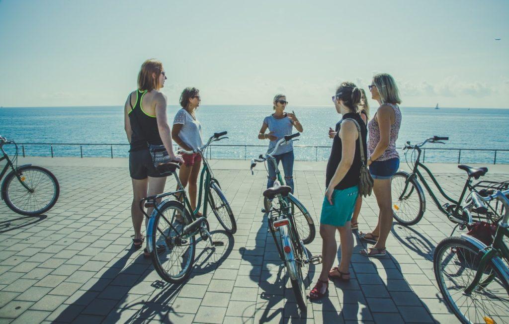 Découvrir Barcelone en groupe et à vélo